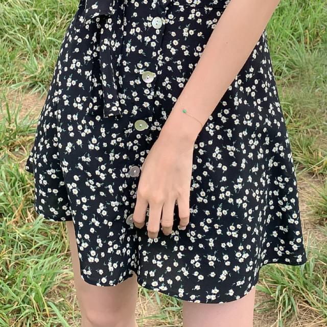 Daisy Flower Button Mini Skirt