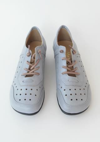 punching strap sneakers