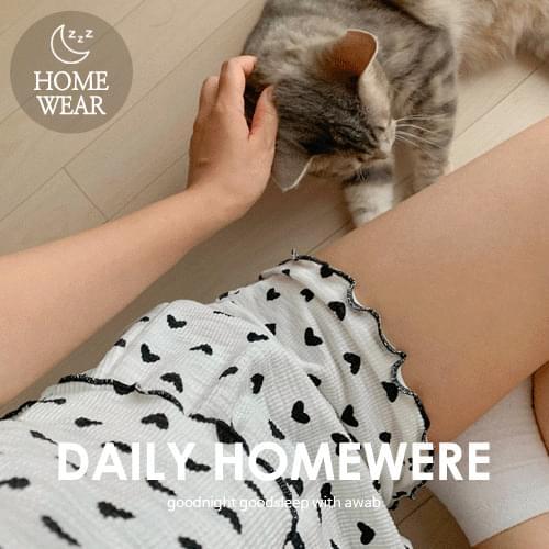 Love dot pajama set