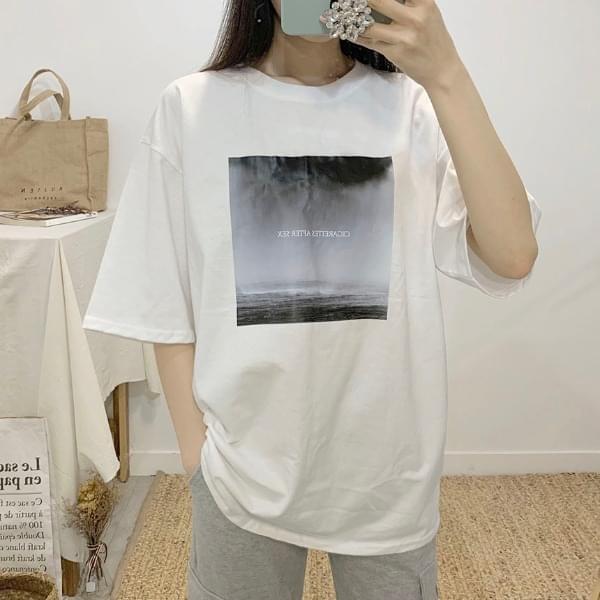 시가렛 프린팅 라운드넥 반팔 티셔츠