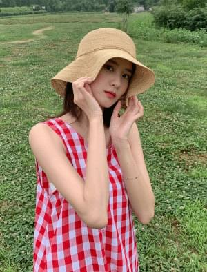Raffia ribbon bucket hat