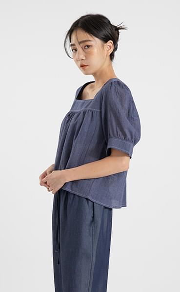 Plain stitch denim blouse