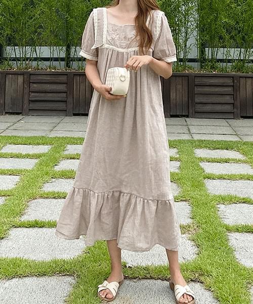 韓國空運 - Bell embroidery dress 及膝洋裝