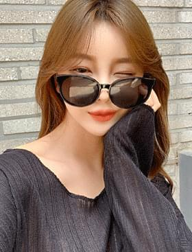 About Sunglasses ♥ Face extinguishing effect