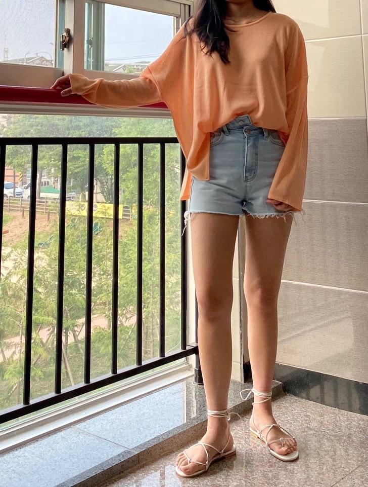 Unbutton short pants