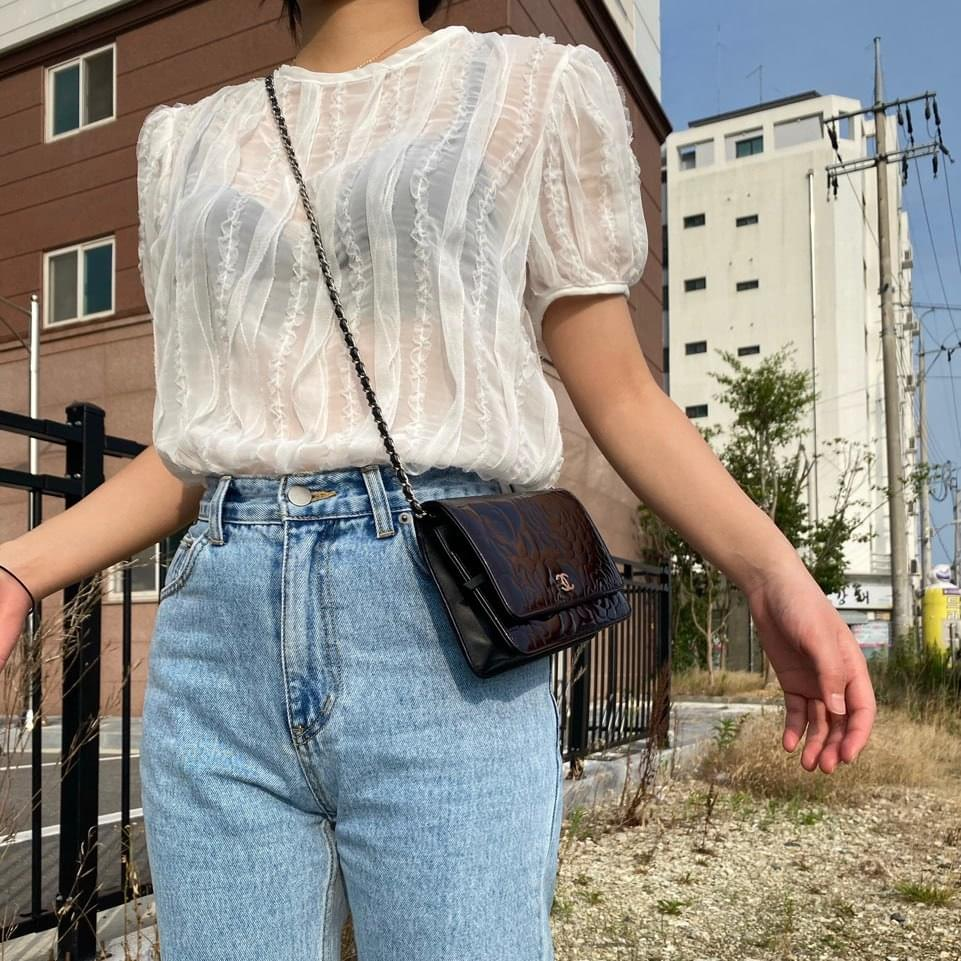 Wavy see-through blouse