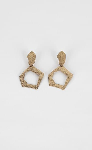 Shape type crack earrings