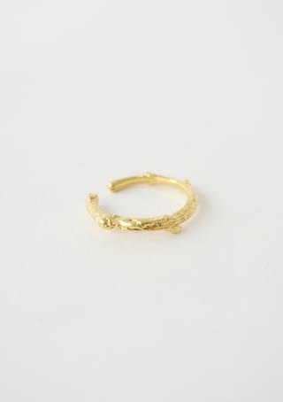 thin crinkled ear-cuff or ring