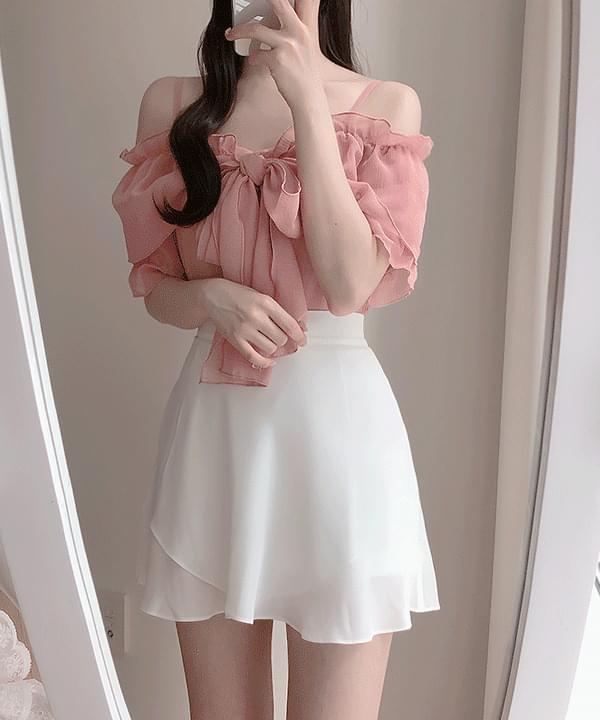 ♥ Cindy Short Sleeve Off Shoulder Blouse