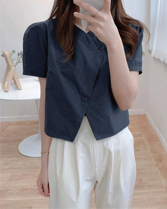 Diagonal puff short sleeve blouse-2color