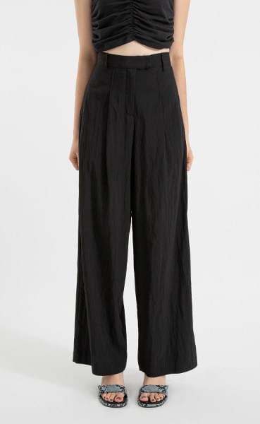 Macro nylon pin tuck wide slacks