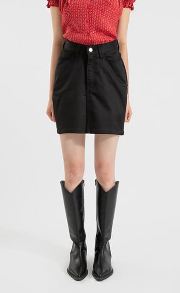 Simple black mini skirt