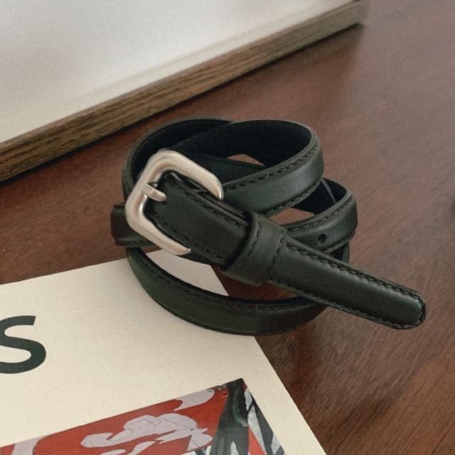 Minimal buckle slim leather belt
