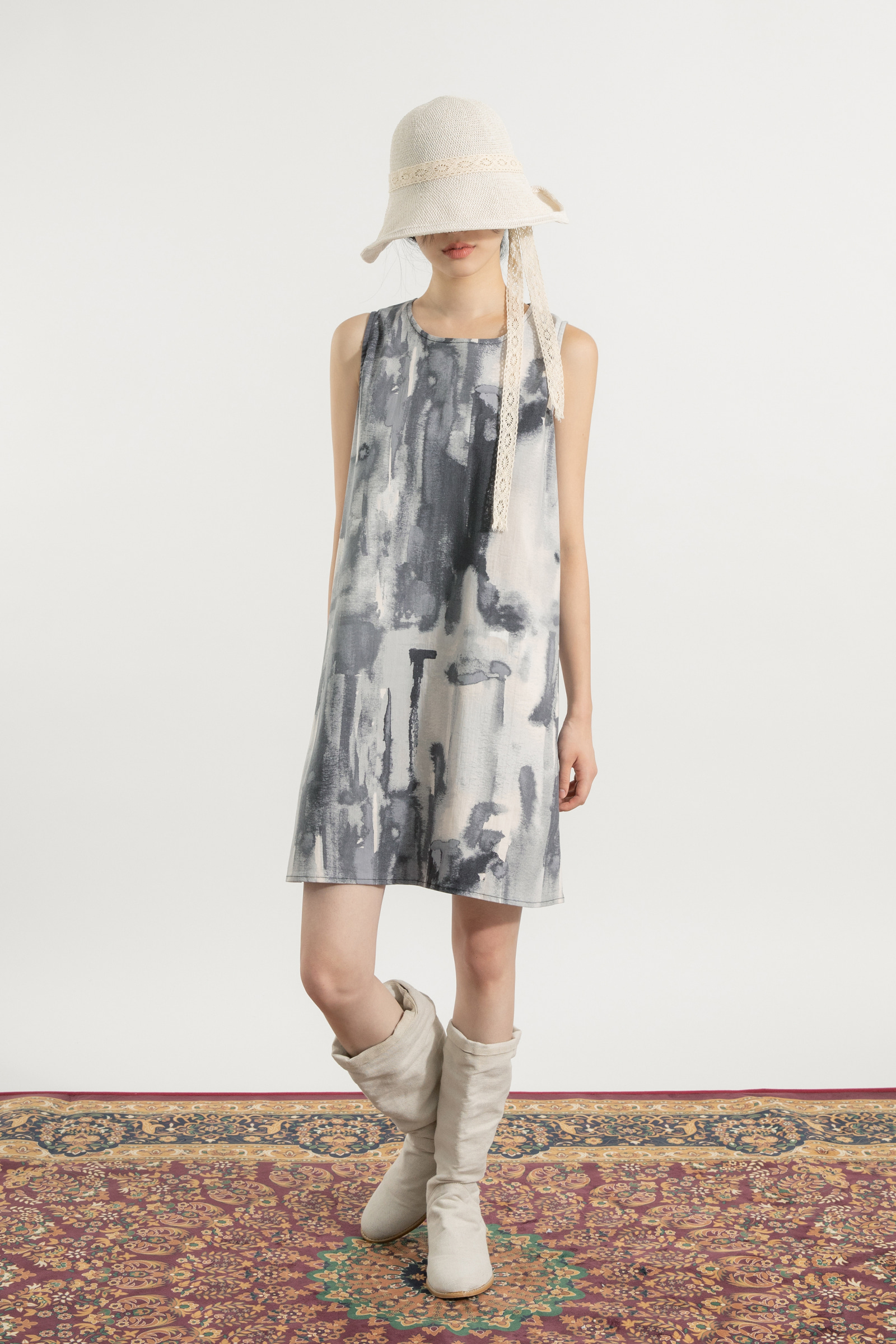 Midi dress with painting pattern