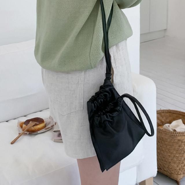 Daily two pocket minimalist cross bag