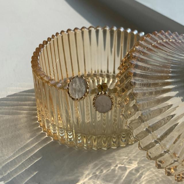 Gold Frame Minimalist Earrings