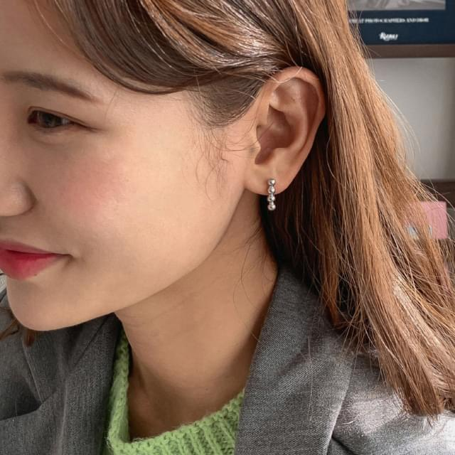 Simple Point Earring Set