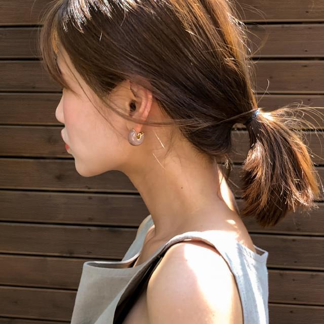 bold rounding earring