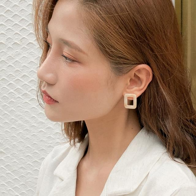 4 figure layered earring set