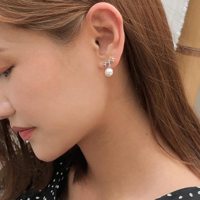 heart pearl earring