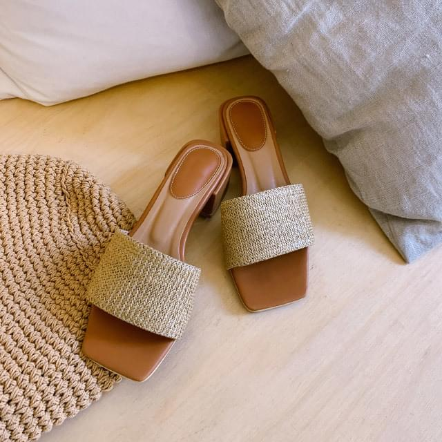 daily square toe middle heel