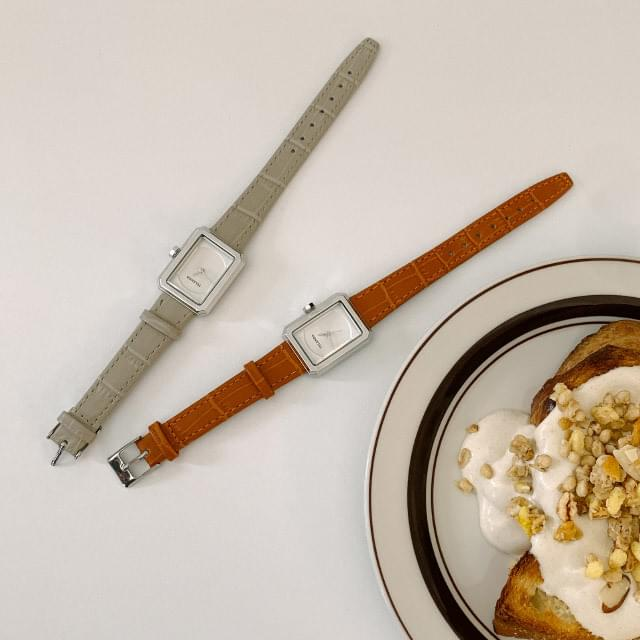 Daily Square Frame Leather Watch
