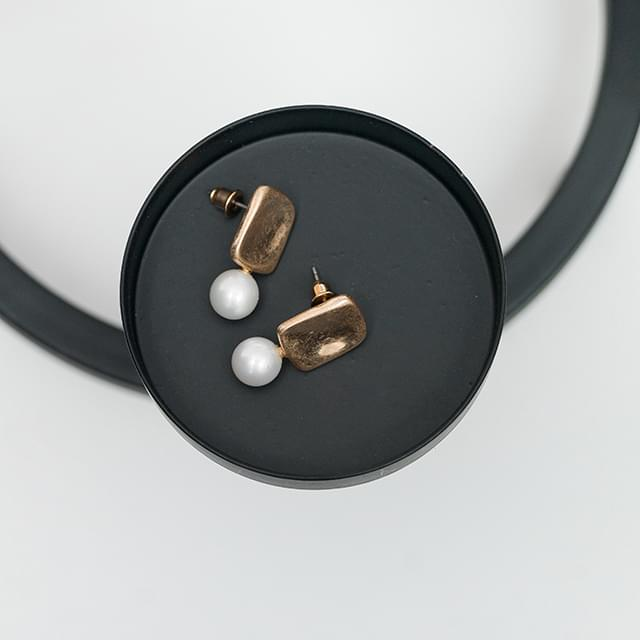 vintage mood pearl earring