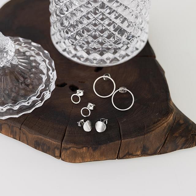 instep circle earring set