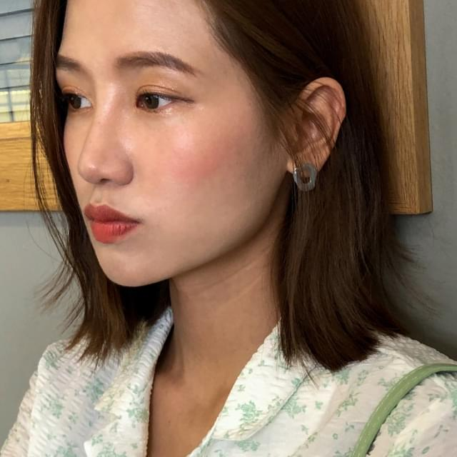 4 color shape earring