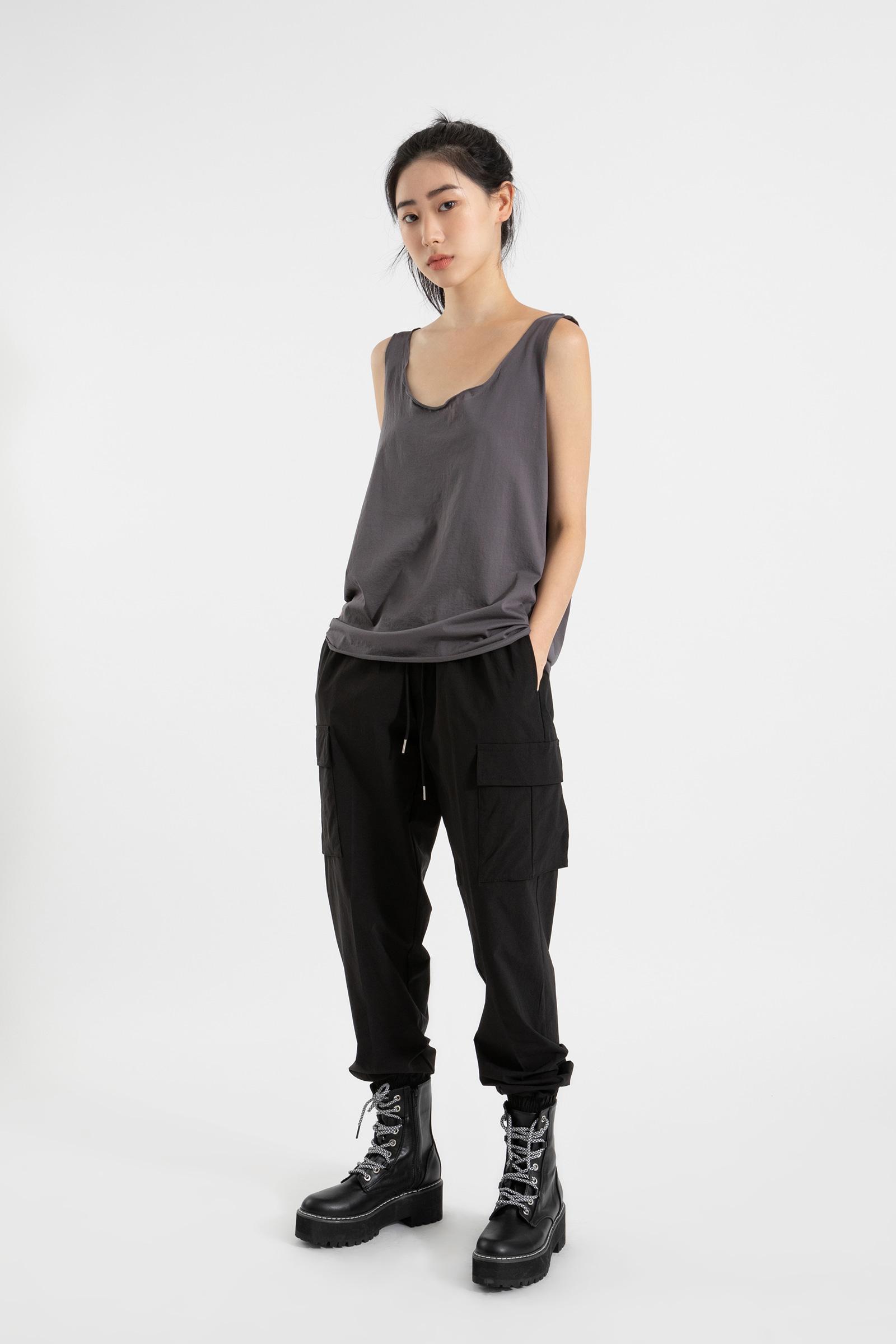 Soft wave sleeveless top