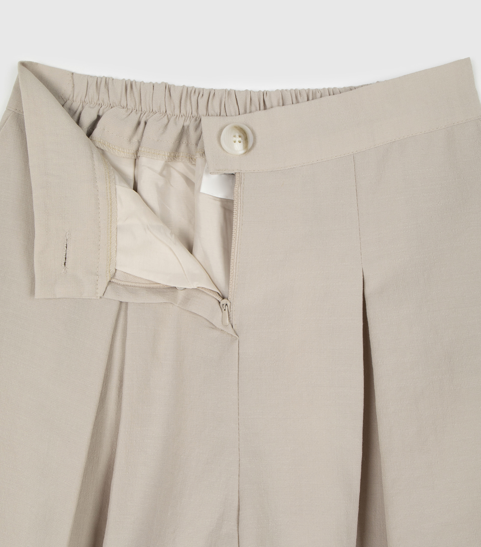Miko pintuck wide shorts