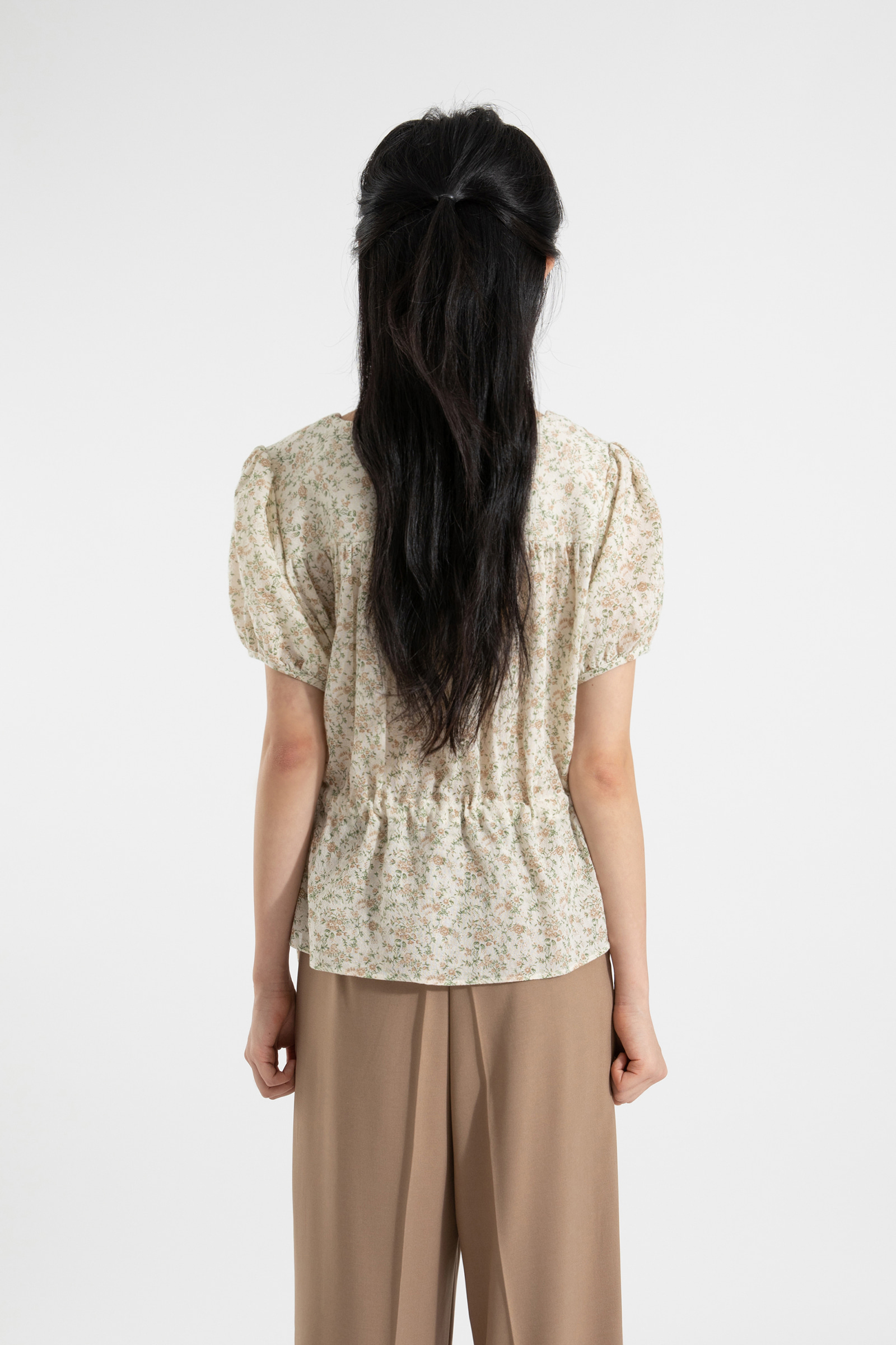 Floral twin string puff blouse