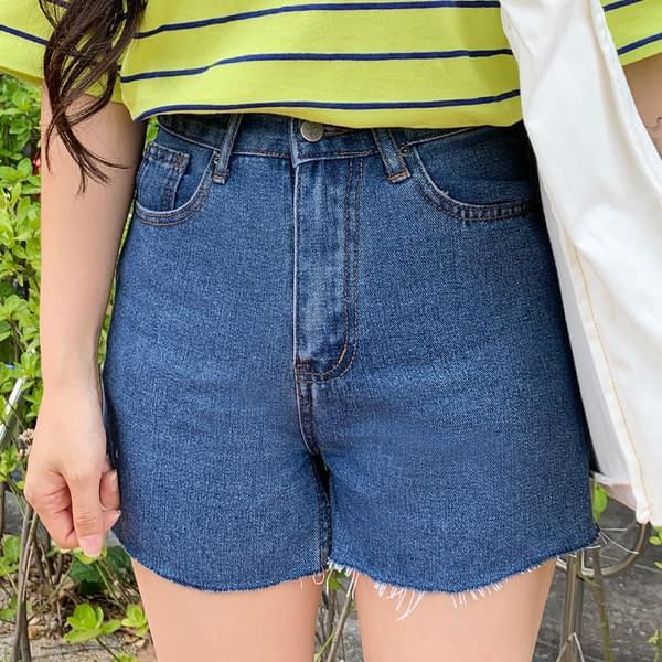Trip-cut denim short pants