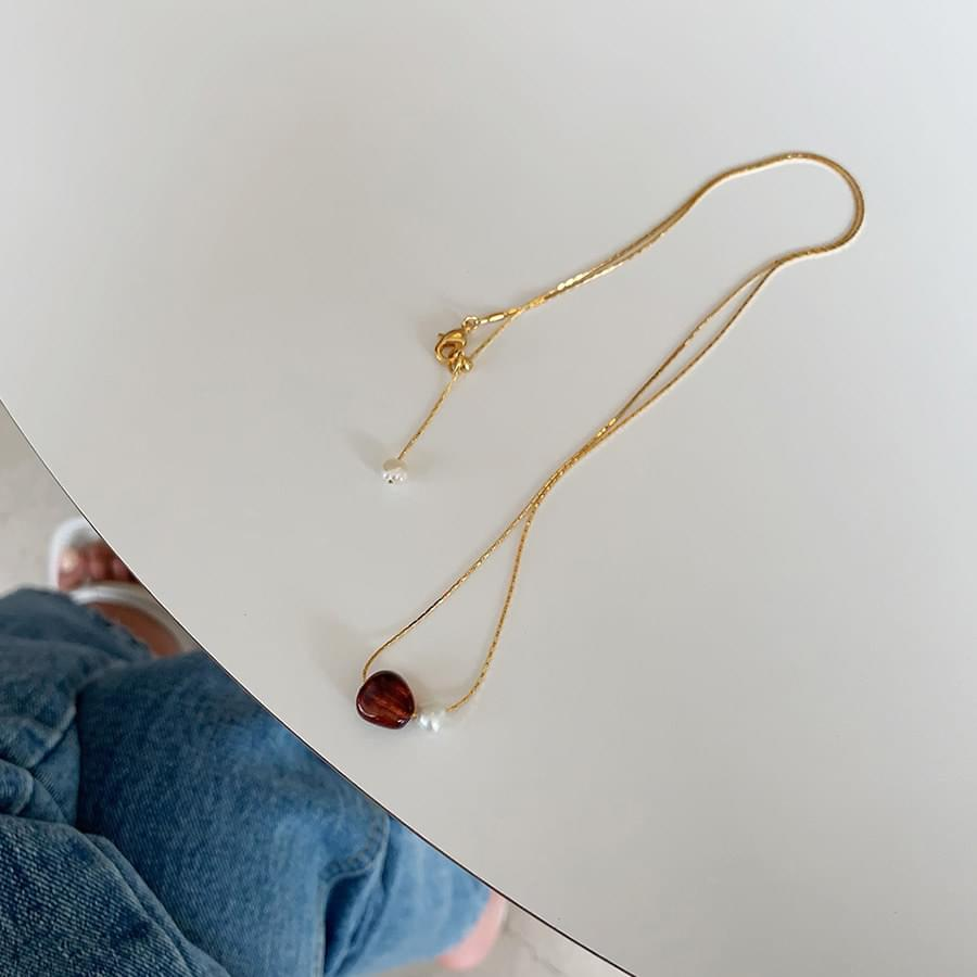 Pearl point necklace