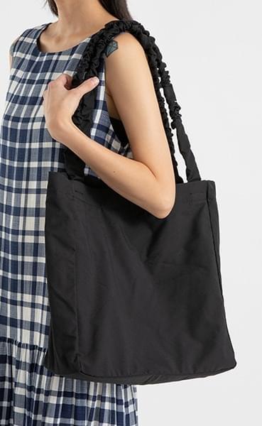 Crunch Wrinkle Shoulder Bag