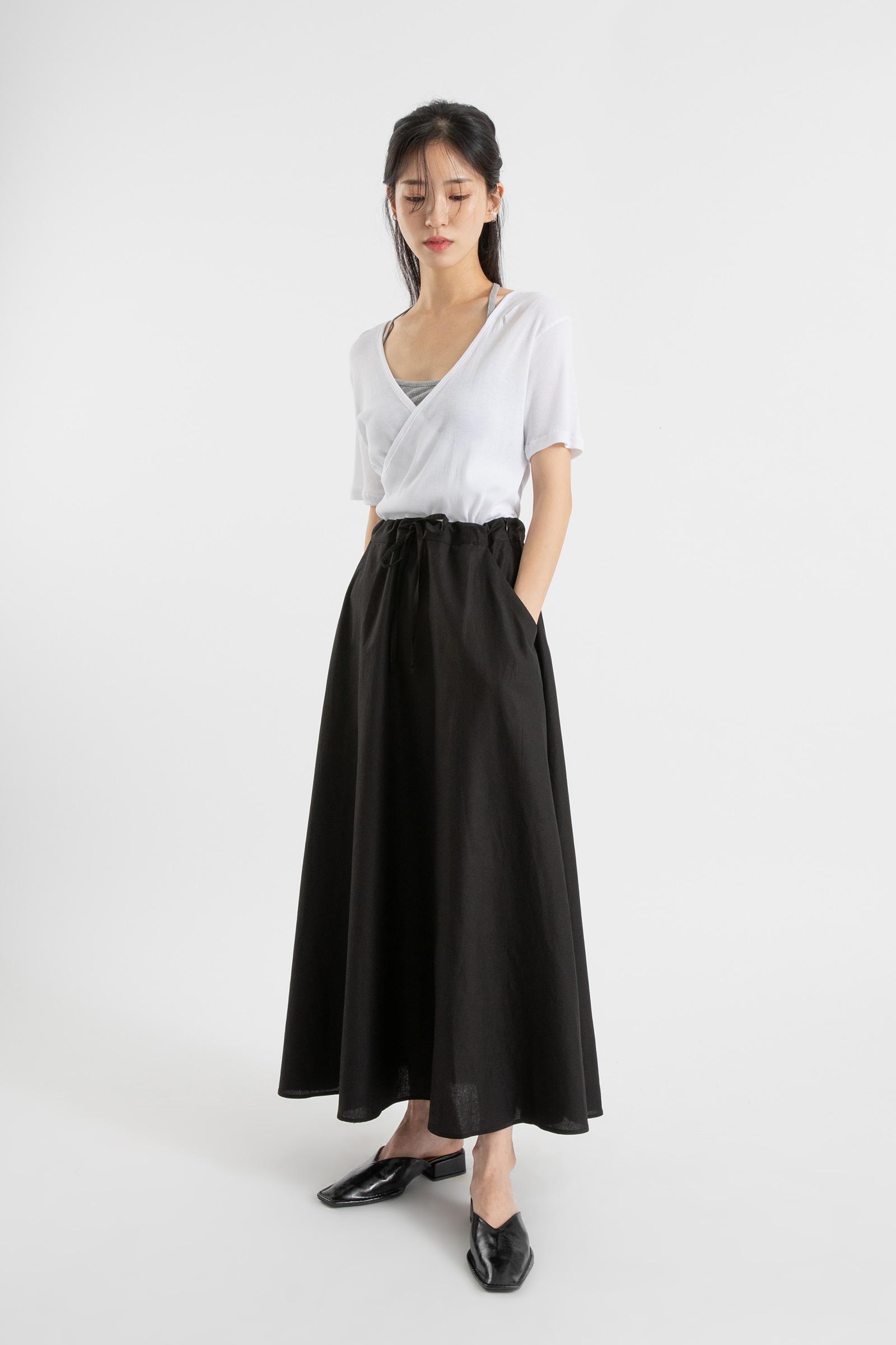Pony flare strap maxi skirt