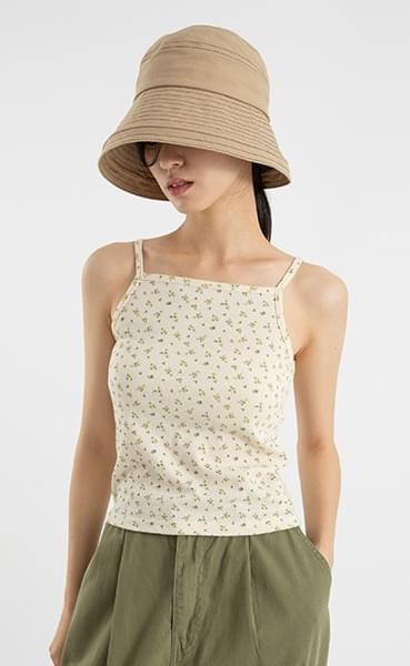 Floral slim sleeveless top