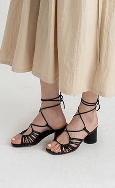 First You Strap Middle Heel Sandals