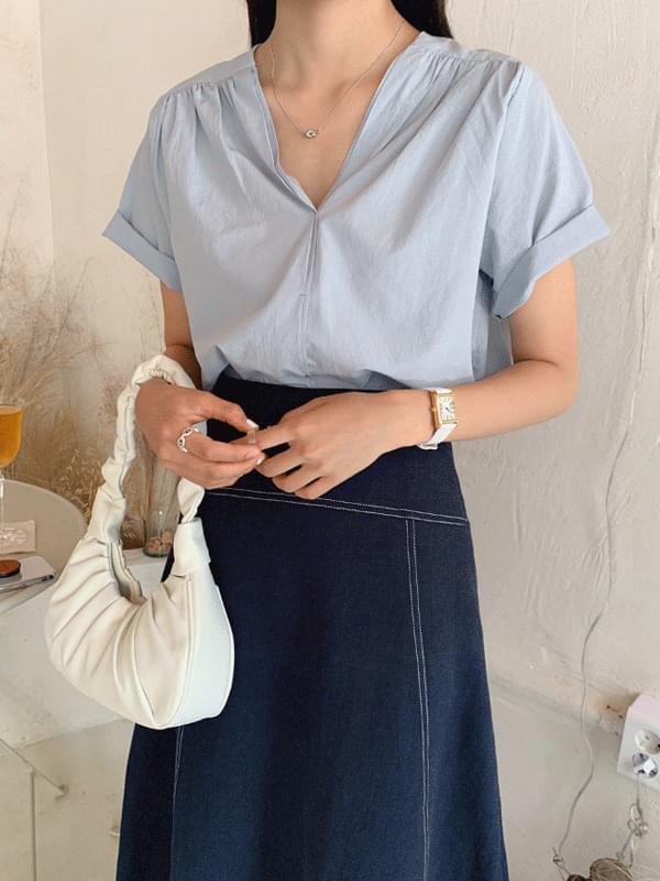 Modern v-necking blouse
