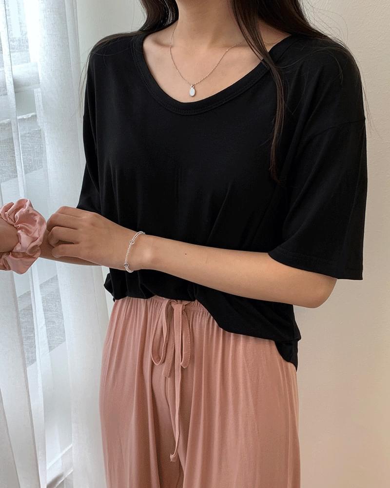 V-neck rayon short sleeve basic t-shirt