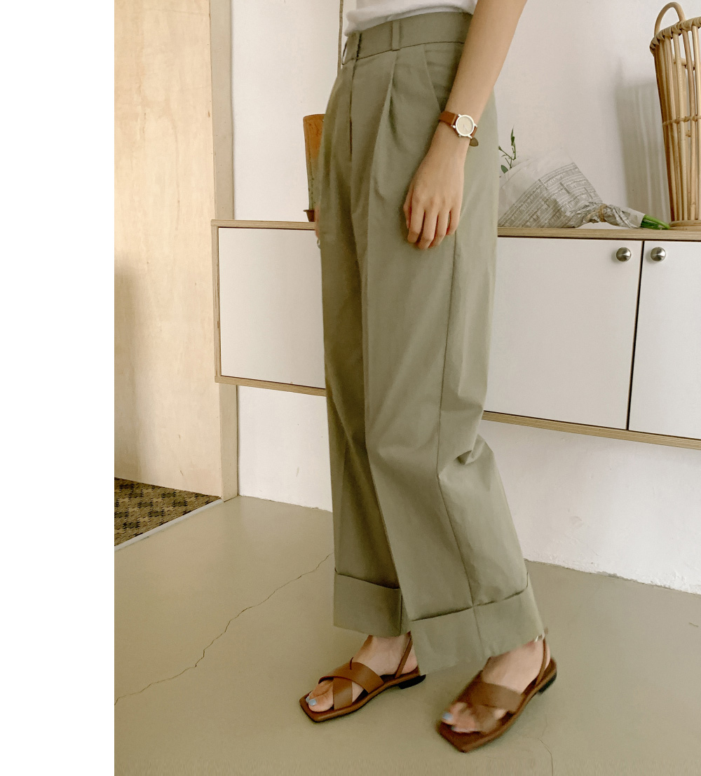 Classic wide-fit roll-up pants