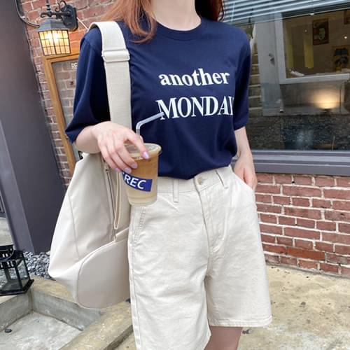 Monday Lettering Short-sleeved T-shirt