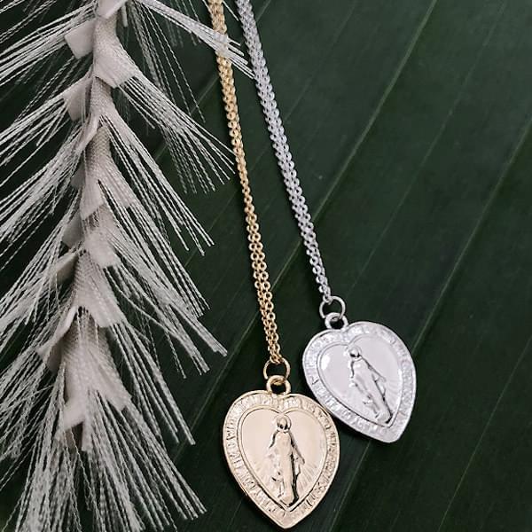 *Jewellery*Heart Marian Necklace