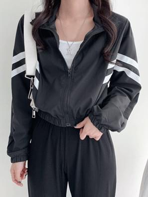 Line Crop Windbreak Jacket