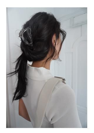 curved hair clip