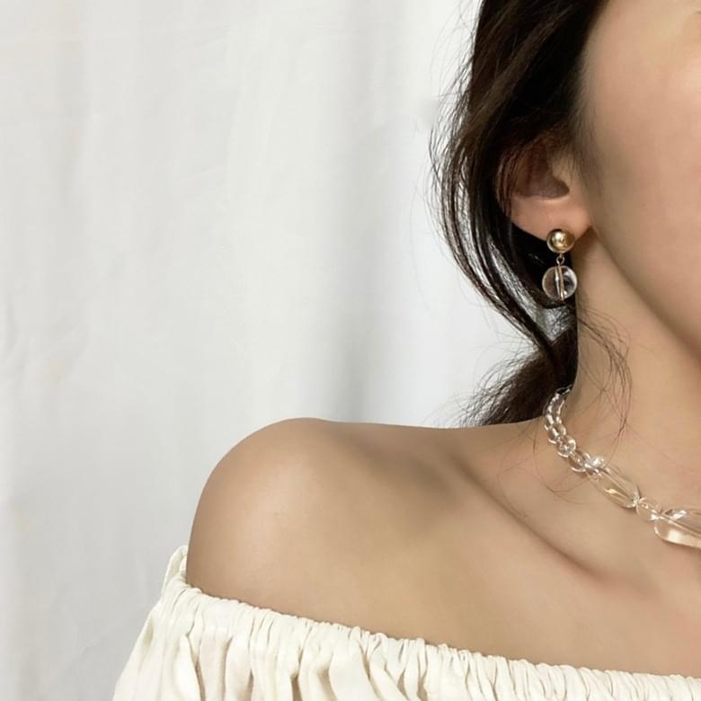 Noi Baek Soo-jung Nickel Needle Earrings