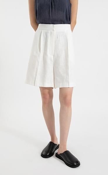 Jane linen pintuck half pants