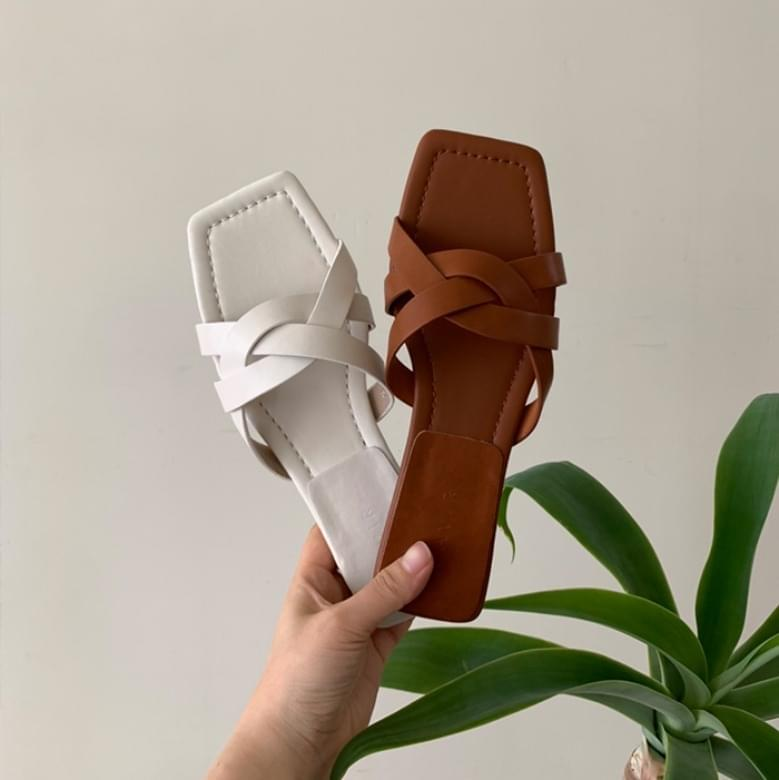 Jamming cowhide square twisted slippers
