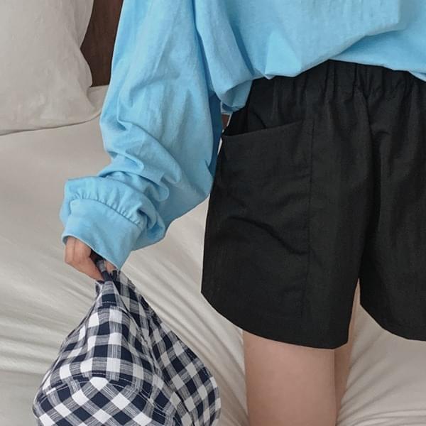 Holder banding short pants