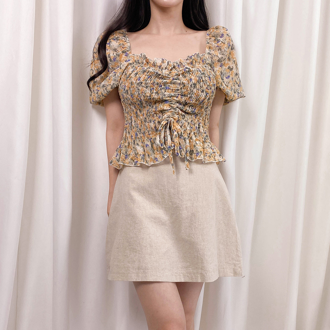Flower shirring blouse